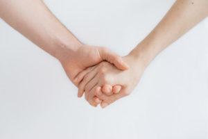 empatia, roman kraft, ręce, razem